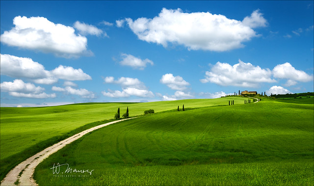 Tuscany road to the sky