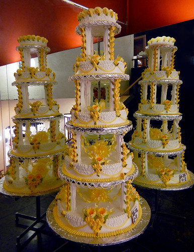 Pastelería Ideal: A Historic Bakery in Mexico City. This is a selection of various one of their Wedding Cakes
