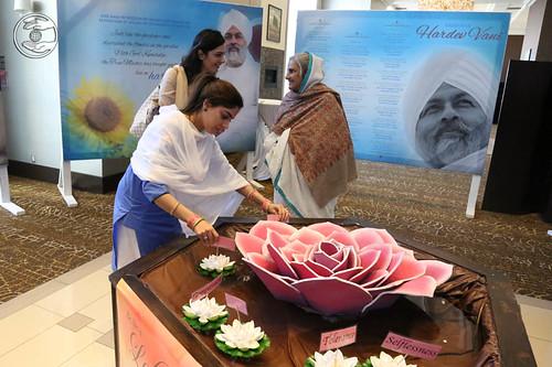 Satguru Mata Ji visits Nirankari Exhibition