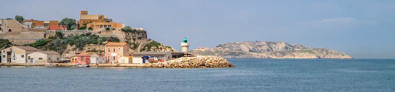 Hafeneinfahrt Marseille, Les Îsles