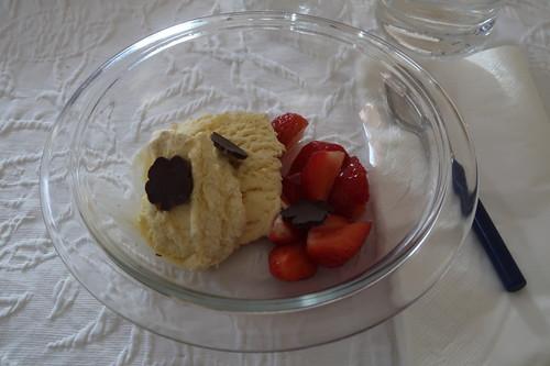 Erdbeeren zu Vanilleeis