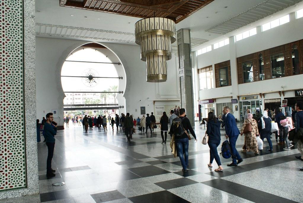 Dans la monumentale gare de Fès (Nouvelle Ville).