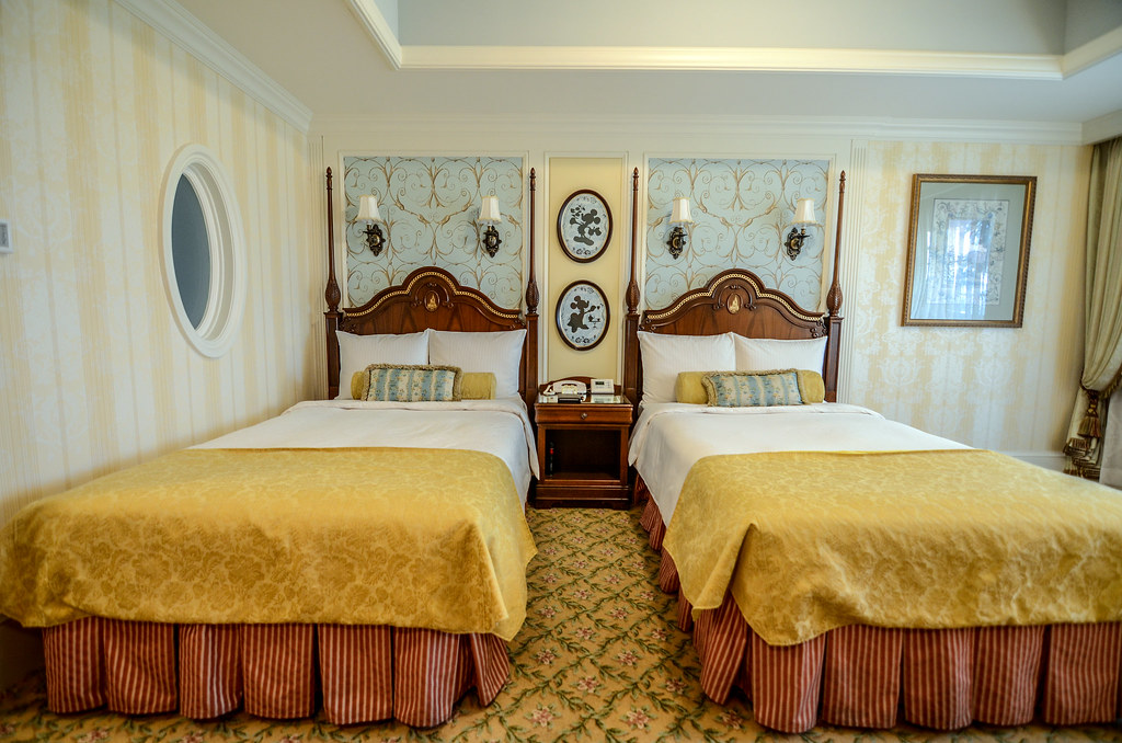 Tokyo Disneyland Hotel room 2 beds