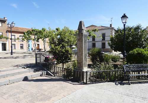 Hiendelaencina (Guadalajara) Monolito en memoria de la primera mina de plata: Santa Cecilia, 1844.