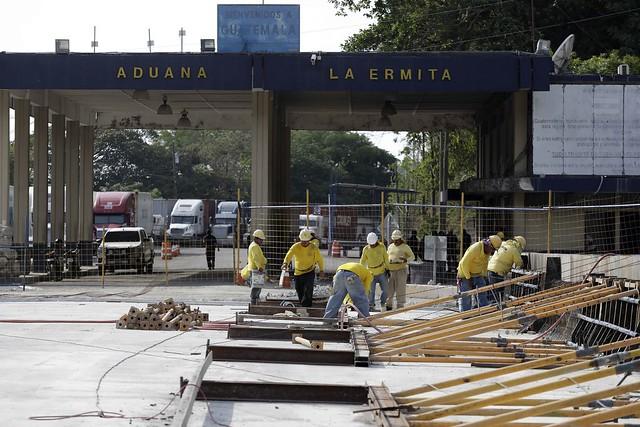 Inspección de avances en construcción de puente Anguiatú , Frontera El Salvador/Guatemala.