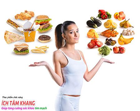 Người bệnh hở van tim 3 lá nên ăn rau quả tươi thay vì ăn những chất béo tran