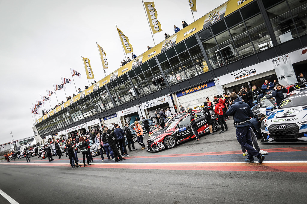 pit lane during the 2018 FIA WTCR World Touring Car cup of Zandvoort, Netherlands from May 19 to 21 - Photo Francois Flamand / DPPI