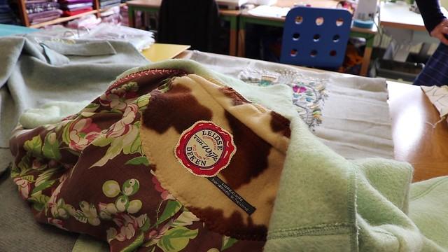 Oude dekens worden jassen