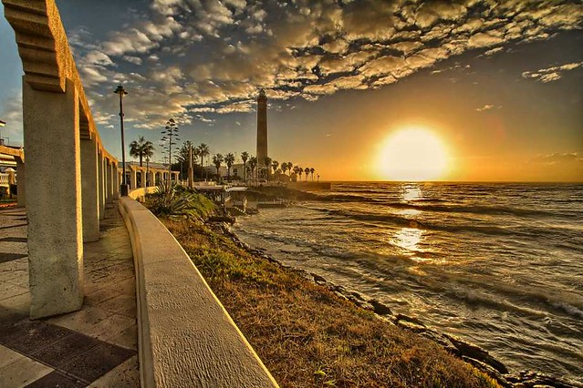 Discover Cadiz the oldest city of Spain