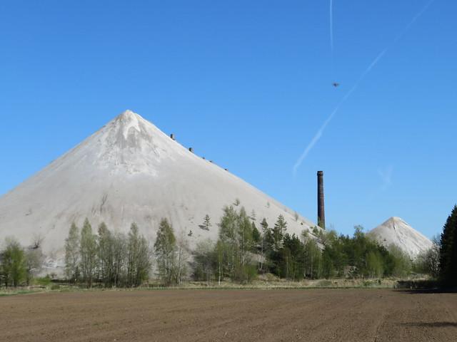 Püssi tuhamägi / Püssi ash hill, Estonia