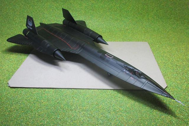 Century Wings CW001623 SR-71, Canon IXUS 132