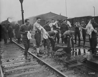 Soldiers' early morning toilet at Huy, Belgium / Toilette matinale de soldats à Huy, en Belgique