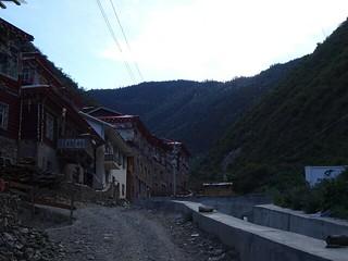 ペユル(白玉)からカトクゴンパ(噶蛇寺) 1 - ペユルからひたすらの登り