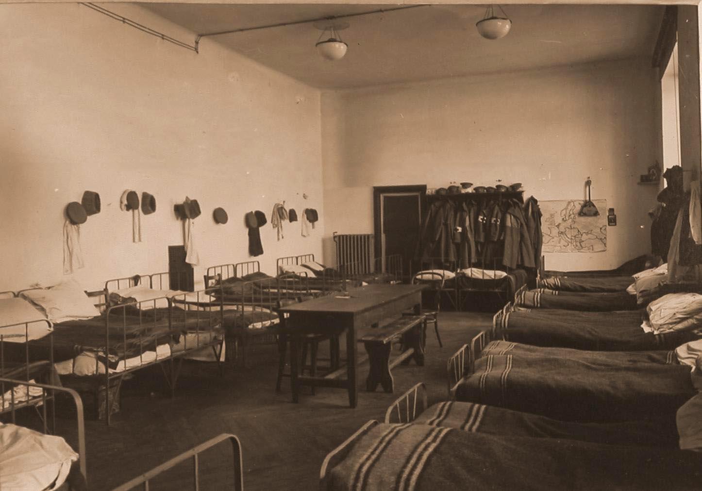24. Вид комнаты для санитаров в помещении госпиталя