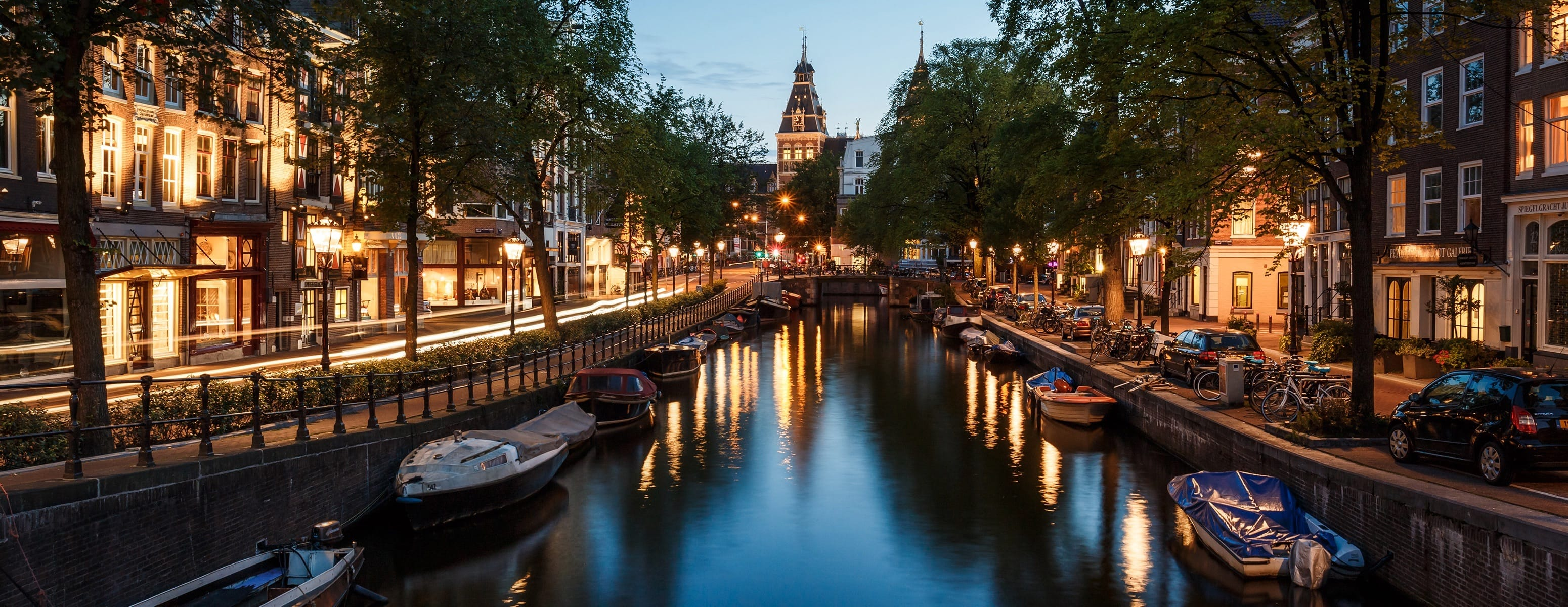 Amsterdam travel guide for first-time visitors - Best Places to Visit in Europe - planningforeurope.com (2)