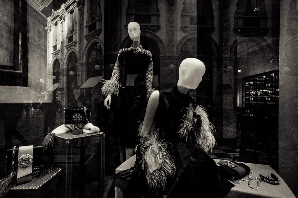 official photos 72555 26fd1 Galleria Vittorio Emanuele II 6 - Showroom dummies ...