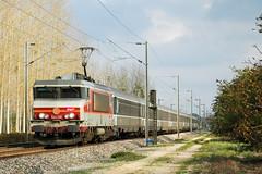 Train 1706 à Favresse