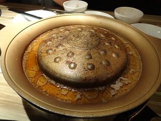 烤過的銅盤