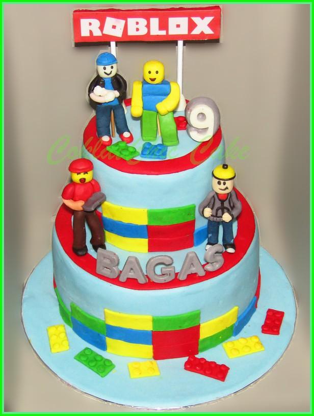 Cake Roblox BAGAS 18 /12