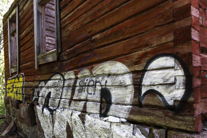 Kruunuvuori huvila autiotalo ue urban exploring graffiti