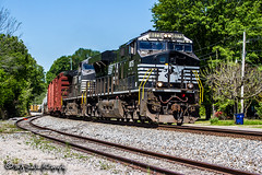 NS 8075 | GE ES44C4 | NS Memphis District West End