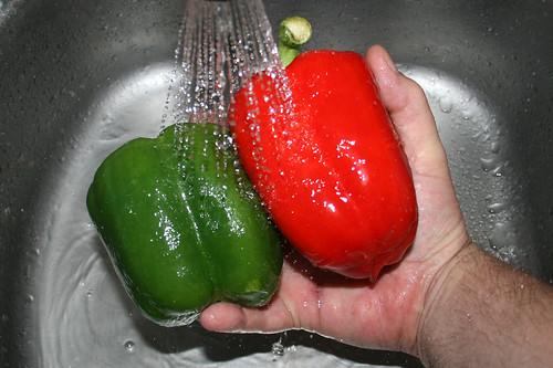 12 - Paprika waschen / Wash bell pepper