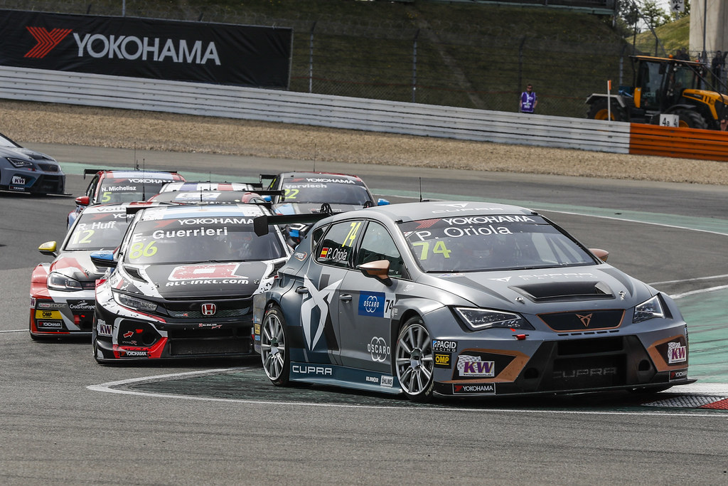 Start of the race. ORIOLA Pepe (ESP), Team Oscaro by Campos Racing, Cupra TCR, GUERRIERI Esteban (ARG), ALL-INKL.COM Munnich Motorsport, Honda Civic  TCR,  during the 2018 FIA WTCR World Touring Car cup of Nurburgring, Nordschleife, Germany from May 10 to 12 - Photo Florent Gooden / DPPI