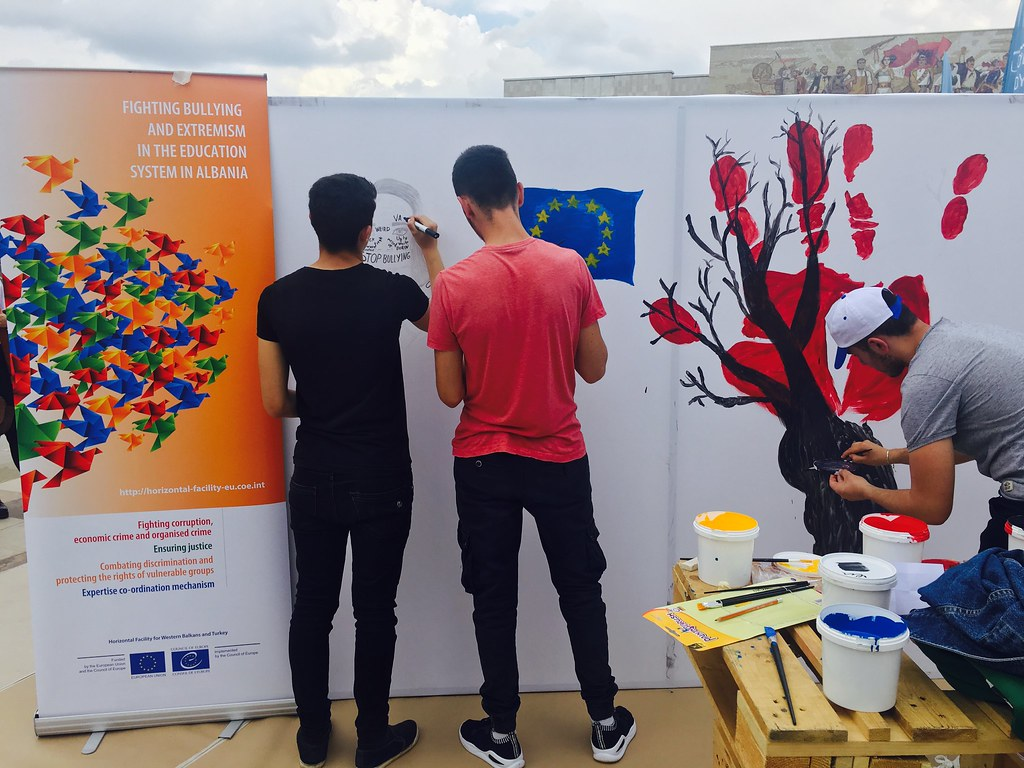 ALBANIA: anti-bullying awareness at Europe day celebrations
