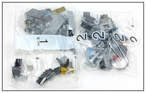 LEGO Marvel Superheroes 76109 Quantum Realm Explorers 03