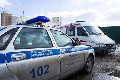 Полицейские убедили сдаться пришедшего в школу №1359 с ножом старшеклассника