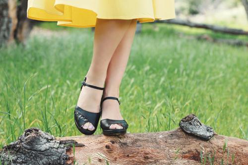 Collectif Vintage Matilde Plain Swing Skirt in Yellow