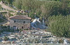 L'Inferno dantesco alle Cascate del Mulino a Saturnia - The Dante's Inferno at the Mulino Waterfall in Saturnia