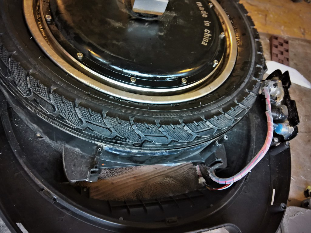 2.50 tire did not fit my tesla D: