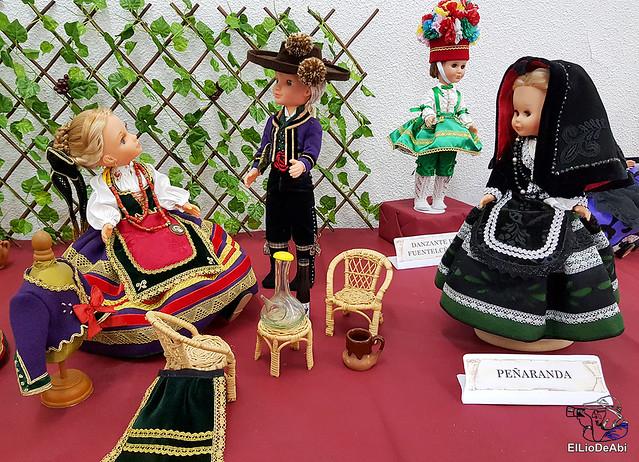 Colección en miniatura de los trajes tradicionales en la provincia de Burgos  (21)
