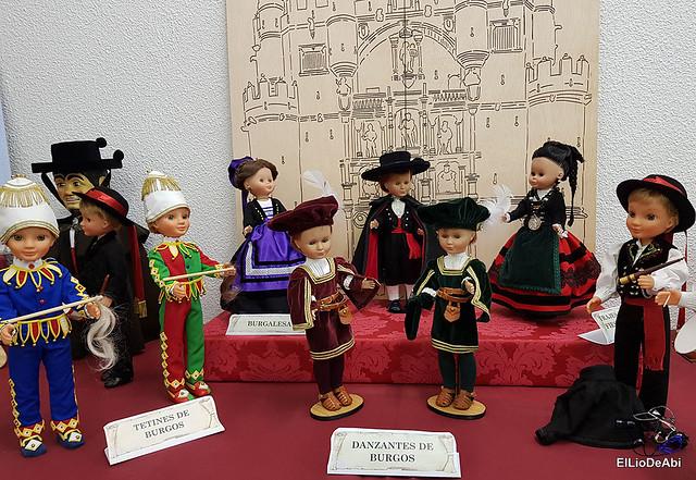 Colección en miniatura de los trajes tradicionales en la provincia de Burgos  (17)