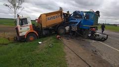 В Бешенковичском районе на трассе при выполнении дорожных работ столкнулись два МАЗа. Погиб рабочий
