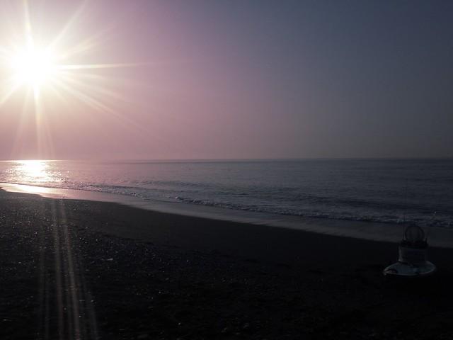 結構日が昇ってる相模湾。