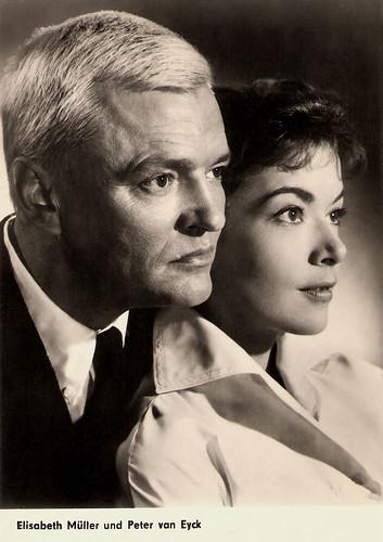 Elisabeth Müller and Peter van Eyck in Dr. Crippen lebt (1958)