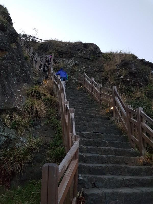 Ilchulbong Peak1 (14)