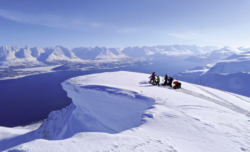 Skitour Gipfel über Fjord