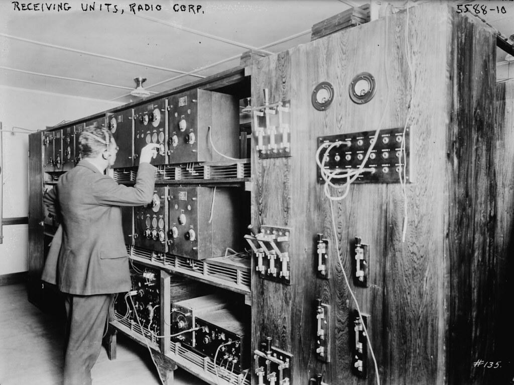 Receiving units - Radio corps