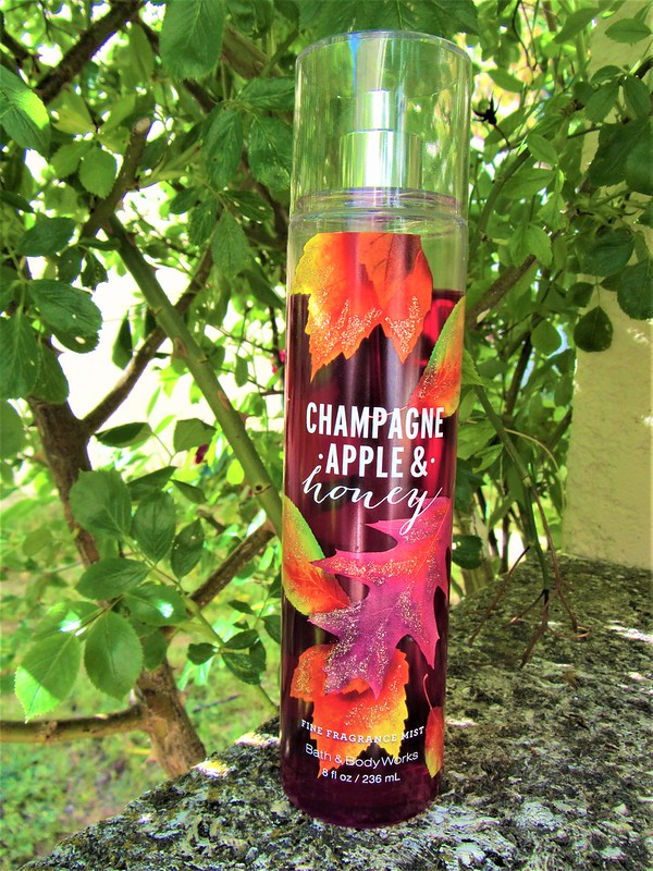 bath-and-body-works-brumes-parfumees-champagne-apple-honey-thecityandbeauty.wordpress.com-blog-beaute-femme-IMG_0520 (3)