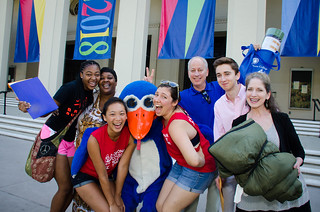 Parents and students on move-in day, fall 2014
