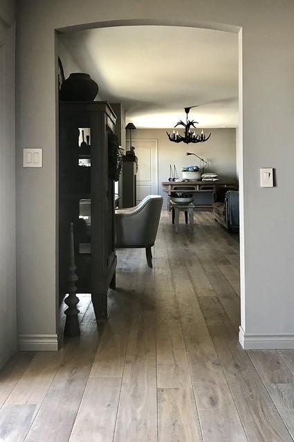 Doorkijkje woonkamer landelijke stijl
