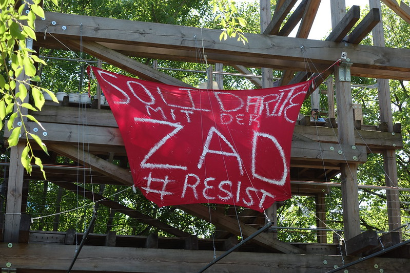 la ZAD solidarity banner at Prinzessinnengärten