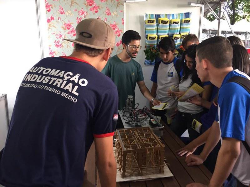 Etec de Ribeirão Preto participa da Feira Nacional do Livro