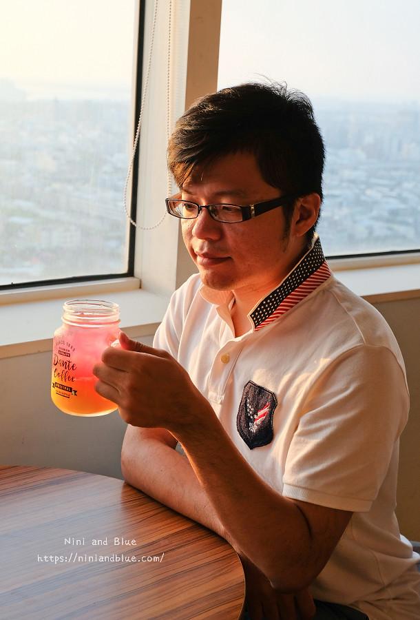 台中 梧棲 咖啡 夜景 童綜合頂樓咖啡15