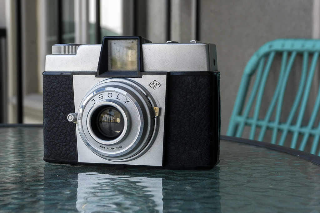 CCR Review 93 - Agfa Isoly Junior