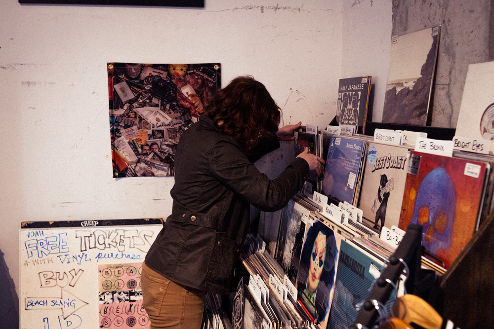 Record Shopping with.. Pronoun @ Creep Records