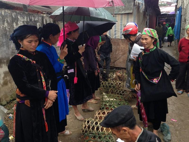 イェンミンのマーケットとザイ族の村, 3